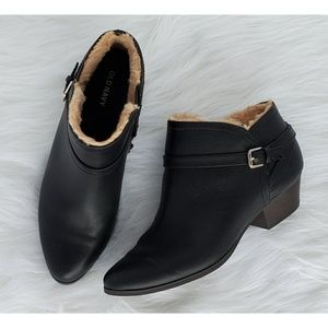 □ Women's Ankle Boots □
